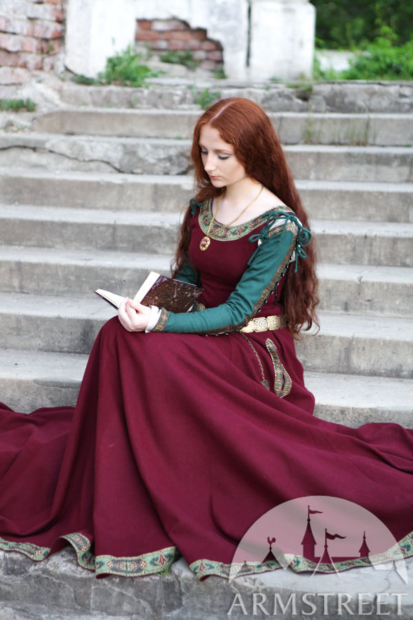 "Medieval Dress ""Green Sleeves"""