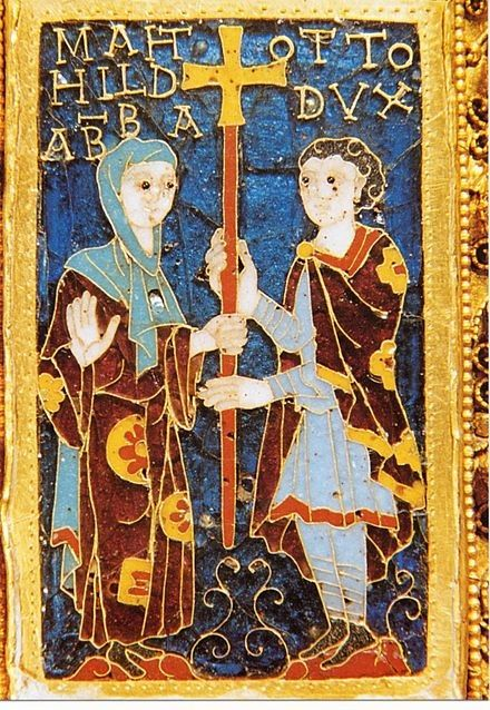Ottonian enamel around 982: Mathilde with her brother Otto